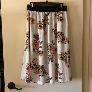 LuLaRoe Lola just-below-the-knee skirt.